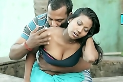 hot desi clevage