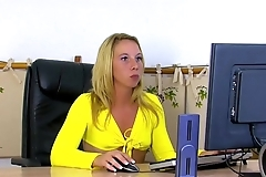 The way of the secretary'_s ass