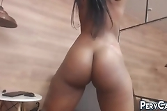 Hourglass Ebony Webcam Model Dancing