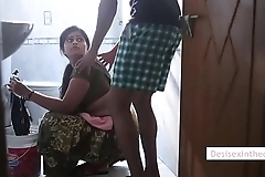 Oo It'_s Awesome Healthy Bhabhi Sex In Bathroom