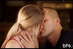 Man finds it difficult to tear his gf&rsquo_s hymen &amp_ click here